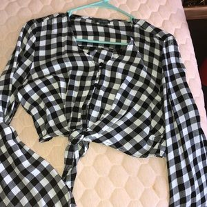 Checkered long sleeve crop top